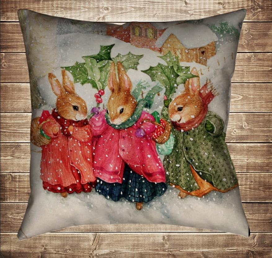 Подушка з новорічним принтом Новорічні білочки в зимовому лісі