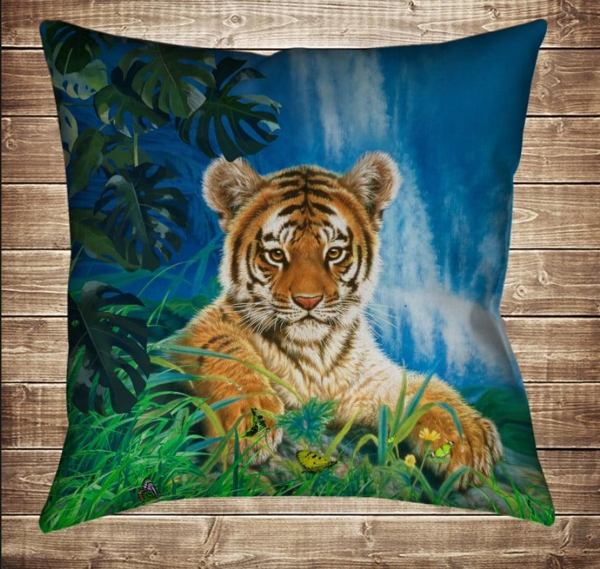 Подушка с 3D принтом Тигр