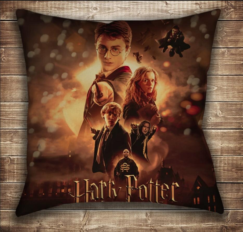 Подушка с принтом на тему: Гарри Поттер Огонь и битва