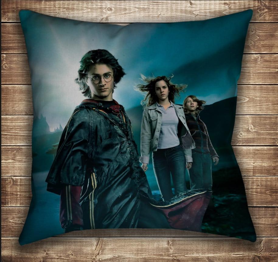 Подушка с принтом на тему: Гарри Поттер Рассвет и Магия