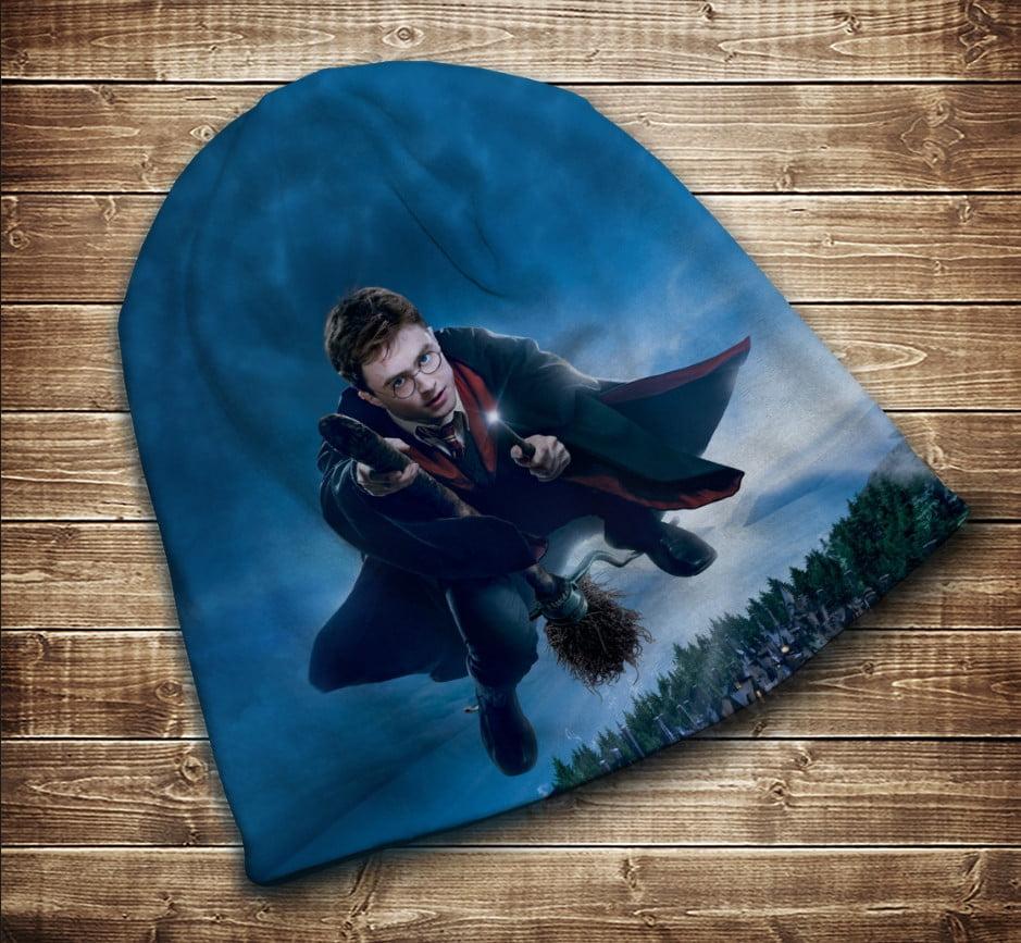 Шапка с 3D принтом на тему - Гарри Поттер и Нимбус 2000. Все размеры и сезоны
